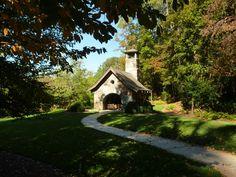 Capela Barbara Johnson Prickett, no campus da Escola Westminster em Atlanta, estado da Georgia, USA.  Paisagismo: Richard Anderson.  Fotografia: Terry Kearns no Flickr.