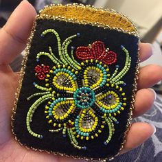 nanamomma Beaded Purses, Beaded Bags, Beaded Jewelry, Native Beadwork, Native American Beadwork, Floral Embroidery, Beaded Embroidery, Beadwork Designs, Indian Crafts