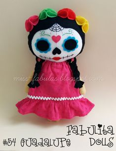 Cositas hechas con amor <3 Skull Crafts, Dyi Crafts, Felt Crafts, Halloween Crafts, Holiday Crafts, Crazy Toys, Tilda Toy, Fall Sewing, Mexican Crafts