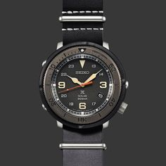 No photo description available. Rayban Sunglasses Mens, Seiko Mod, Popular Watches, Automatic Watches For Men, Seiko Watches, G Shock, Luxury Watches, Cool Watches, Chronograph