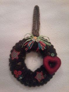 Corona de Nadal Christmas Ornaments, Holiday Decor, Home Decor, Crowns, Hand Made, Dressmaking, Decoration Home, Room Decor, Christmas Jewelry