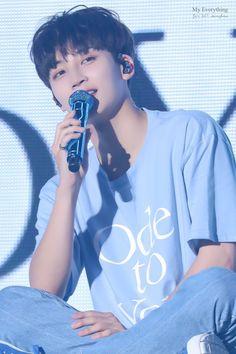 By faarrrr his best look Mingyu Wonwoo, Seungkwan, Woozi, Jeonghan Seventeen, Seventeen Debut, Debut Themes, Amagi Brilliant Park, Hip Hop, Fandom