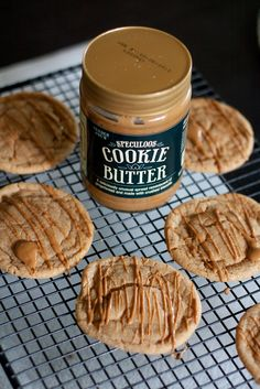 are you kidding me right now? Cookie butter is like crack. and now cookie butter cookies? Speculoos Cookie Butter, Butter Cookies Recipe, Recipe Treats, Just Desserts, Delicious Desserts, Yummy Food, Think Food, Love Food, Cookie Recipes