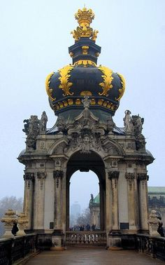 Crown Gate at Zwinger, Dresden (by RC Designer)Germany