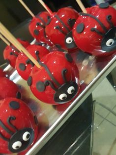 Lady bugs candy apples @one_skinny_baker