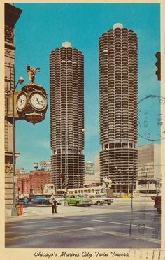 """cardboardamerica: """"Marina City Towers - Chicago, Illinois Chicago's Marina Towers an Old and New Landmark Looking Northwest from Wabash Avenue. Mailed from Chicago, Illinois to Donna Asplund of Ionia,. Chicago Street, Chicago City, Chicago Area, Chicago Illinois, Great Places, Places To Go, Beautiful Places, Amazing Architecture, Modern Architecture"""