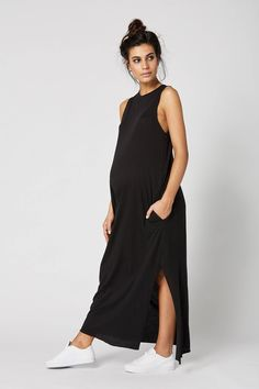 The coolest maxi dress on the block has arrived! Made in our premium feather weight cotton, the black Park Ave maternity dress wears like a dream. Cute Maternity Outfits, Maternity Pants, Stylish Maternity, Maternity Wear, Maternity Dresses, Maternity Fashion, Pregnancy Wardrobe, Pregnancy Outfits, Pregnancy Pants