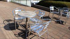 【新宿】日当たりの良いカフェテラスで読書しよう