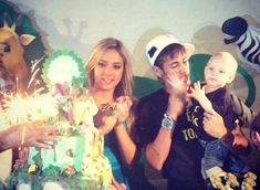 As Barcelona FC prepares to welcome Brizilian star Neymar into their squad the world awaits the arrival of a new Barca WAG into their city, Neymar's girlfriend and pretty baby mama is Carolina Dantas Brazilian Neymar Family, Neymar Son, Sons Birthday, World Cup 2014, Mother And Father, Pretty Baby, Ex Girlfriends, Soccer Players, Fc Barcelona