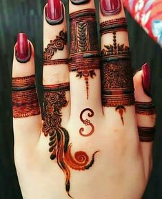 Discovered by دلکش. Find images and videos about henna and mehndi on We Heart It - the app to get lost in what you love. Khafif Mehndi Design, Mehndi Designs Book, Back Hand Mehndi Designs, Finger Henna Designs, Mehndi Designs For Girls, Mehndi Designs 2018, Mehndi Designs For Beginners, Dulhan Mehndi Designs, Mehndi Designs For Fingers