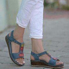 Women's Casual Daily Comfort Open Toe Wedge Sandals - Shoe Fashions 2019 Simple Sandals, Wedge Sandals, Summer Sandals, Strappy Sandals, Trendy Sandals, Summer Shoes, Slide Sandals, Sandals Outfit, Shoes Sandals
