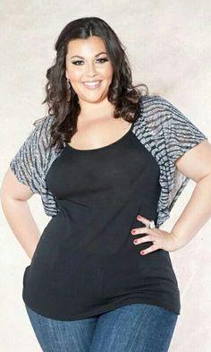 Sexy curvy Plus size fashion love the little gray shrug!!♡♡