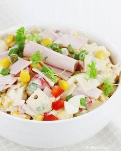 Sałatka z szynką i żółtym serem. Ham and cheese salad. Pasta Salad, Cobb Salad, Cheese Salad, Ham And Cheese, Coleslaw, Cheddar, Feta, Dairy, Ethnic Recipes