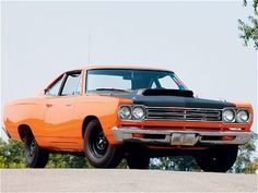 v8mayhem:  I need to buy a 69 or 70 Road Runner and own the road! #Mopar