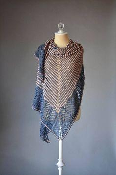 Lace triangle shawl free knitting pattern