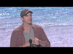Ashton Kutcher Acceptance Speech - Teen Choice Awards 2013 (High Quality)