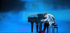 Prodigy Pianist playing Michael Jackson   http://www.mjvibe.com/prodigy-pianist-playing-michael-jackson/