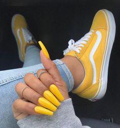 Mellow Yellow - Colorful Summer Nail Designs - Photos