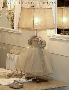 dress lamp cute idea for vintage shabby girls bedroom Style Retro, Little Girl Rooms, Vintage Shabby Chic, Lamp Shades, Girls Bedroom, Lamp Light, Home Projects, Decoration, Lights