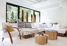 I have always wanted to build a pallet style built in couch. And, those pillows, LOVE EM'!