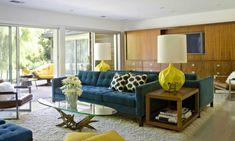 wohnideen wohnzimmer blaue möbel gelbe akzente