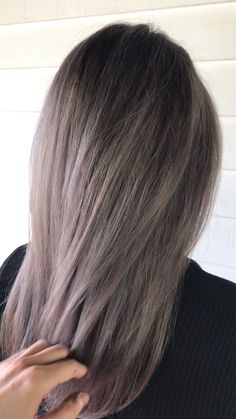 Babylights teasylights balayage masters of balayage beige blonde ash blonde perfect hair goals hairbrained maneaddicts jessicaphillipsha… [Video] Blond Ash, Beige Blonde, Brown Blonde Hair, Light Brown Hair, Dark Hair, Ash Beige, Ash Brown Hair Color, Medium Bob Hairstyles, Prom Hairstyles