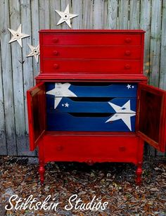 Dishfunctional Designs: Independence Day Inspiration - The 4th Of July Furniture Makeover, Diy Furniture, Repurposed Furniture, Furniture Projects, Dresser Makeovers, Furniture Refinishing, Country Furniture, Boy Room, Kids Room