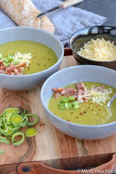 Leek soup with crispy bacon and aged cheese – Mind Your Feed - Luxury Beauty Baby Food Recipes, Soup Recipes, Leek Soup, Fish And Meat, Bacon, People Eating, Winter Food, High Tea, Diy Food