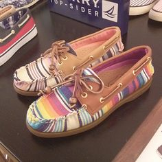 Colorful Loafers by Sperry Top-Sider, more fashion trends for spring and summer 2014 on Miss Annie: http://www.miss-annie.de/?p=1216