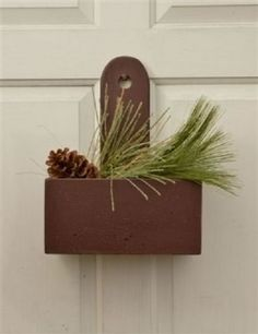 PRIMITIVE-BURGUNDY-WOOD-CHARLESTON-BOX-SHELF