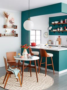 Kitchen Design Inspiration for Your Beautiful Home – Small Kitchen Remodel Cost Guide Kitchen Interior, New Kitchen, Green Kitchen, Teal Kitchen Walls, Kitchen Small, Small Dining, Kitchen Paint, Apartment Kitchen, Semi Open Kitchen Design