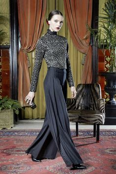 Alice + Olivia RTW Fall 2015. For Day:exaggerated wide-leg silk trousers.Gorgeous flow to the pants. Subtle pattern mixing