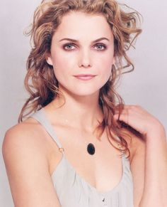pretty Keri Russell…reminds me of the good ole Felicity days, when I only drea… - Modern Keri Russell Style, Keri Russell Hair, Pretty People, Beautiful People, Hair Tinsel, Great Hair, Face Shapes, Beautiful Actresses, Pretty Face