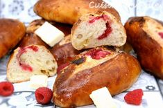 Pretzel Bites, Bread Recipes, Sausage, Meat, White Chocolate, Pastries, Raspberries, Sausages