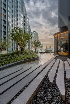 788 Rama 4 Si Phraya, Bang Rak Bangkok By IDEO by Architects Ltd. and Trop Landscape Photograph: Poompat Waratkiachthana Landscape Architecture Design, Landscape Plans, Urban Landscape, Chillout Zone, Pavement Design, Public Space Design, Modern Landscaping, Contemporary Landscape, Urban Planning