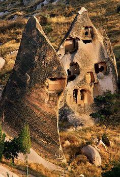 Casas en cuevas, Nevsehir, Central Anatolia, Turkey #arquitectura