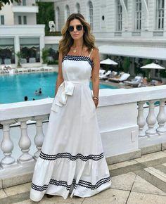 Beautiful long white homecoming dress in 2020 Trendy Dresses, Nice Dresses, Casual Dresses, Casual Outfits, Summer Dresses, Long Maxi Dresses, Maxi Skirts, Dress Long, Dress Outfits