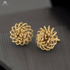 Buy Aura Gold Earring with Rose Gold and Yellow Gold different sizes, designs , pattern and easy to buy at budget price & BIS Hallmark Gold. Gold Jhumka Earrings, Gold Earrings Designs, Gold Jewellery Design, Gold Jewelry, Textiles, Simple Things, Bangle, Sony, Jewels