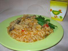 Retete gustoase si garnisite: Pilaf cu ciuperci şi sos de roşii