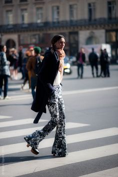 Printed flared jeans! Street Style Aesthetic » Blog Archive » Paris – Street Life