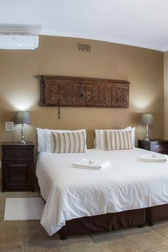 View Excellent Guest House and all our other Accommodation listings in Cape Town. Number 27, Comfort Style, Cape Town, South Africa, Luxury, Street, Bed, House, Furniture