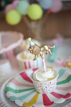 Project Nursery - Gold Animal Cupcake Toppers - My Hobbies Safari Birthday Party, Carnival Birthday Parties, Circus Birthday, Animal Birthday, Baby First Birthday, Birthday Fun, Birthday Celebration, Turtle Birthday, Turtle Party