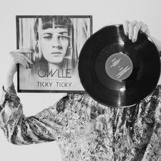 """""""Ticky Ticky"""" en vinyle exclu + MP3 disponibles sur le store officiel de Owlle http://owlle.sonymusic.fr/"""