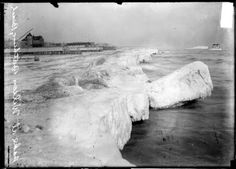Wilson Ave Beach, 1907, Chicago. LoC.gov