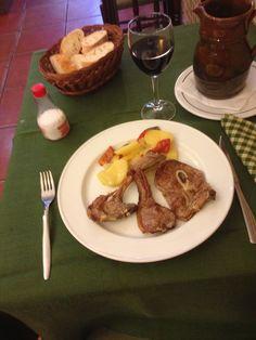 Chuletas del Maestrazgo a la brasa. Restaurante Navarro de Amadeo I  #jornadasPOPCastellón