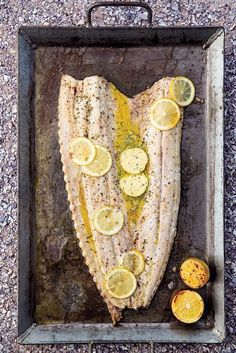 Factors You Need To Give Thought To When Selecting A Saucepan Gebraaide Snoek Met Pietersielie-Suurlemoenbotter Braai Recipes, Fish Recipes, Seafood Recipes, Cooking Recipes, Recipies, South African Dishes, South African Recipes, Kos, Banting Recipes