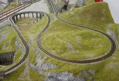 N Scale Model Trains, Model Train Layouts, Train Info, N Scale Layouts, Model Railway Track Plans, Ho Trains, Train Pictures, Model Homes, Planer