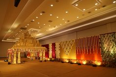 South Indian wedding have bridal wedding inspiration everywhere. Right from beautiful kanjeevarams to lovely temple jewellery, they have it all. But do you know what we love? Gorgeous south-Indian wedding #Indianwedding #ceilingdecor #Traditionalwedding #floraldecor #fernhangings #outdoorreception #floraldesign #quirkydecor #contemporarydecor #receptiondesign #easle #nameboarddecor #weddingplanning #themedecor #Designer #destinationwedding #resortwedding #weddingsbymc #decor…