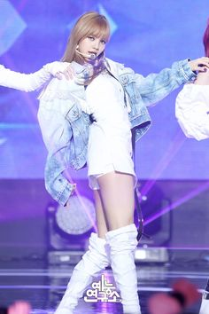 #Blackpink #Lisa - BLACKPINK on Music Core