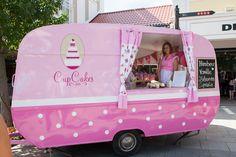 Das CupCake Mobil bei seiner ersten Ausfahrt ins Designer Outlet Parndorf